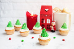 Green tree cupcakes at Christmas Stock Photos