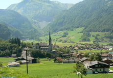 Green Valley της Ελβετίας Στοκ φωτογραφία με δικαίωμα ελεύθερης χρήσης