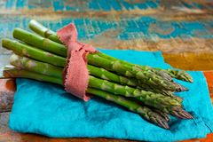 Green young asparagus shoots – premium healtry food, ready to Stock Photo