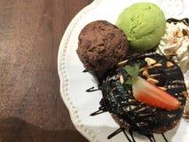 Greentea and chocolate cake Stock Photography