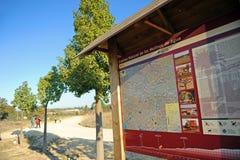 Greenwayen Los Molinos del Agua i Valverde del Camino, landskap av Huelva, Spanien Arkivbilder
