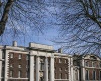 Greenwich, le costruzioni dell'università di Greenwich un giorno soleggiato fotografia stock