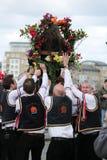 GREENWICH, LONDRES, REINO UNIDO - 13 DE MARZO: Blackheath Morris hombres bailarines inglés Pascua domingo 13 de marzo de 2016 en  Foto de archivo libre de regalías