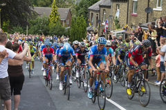 Greetland, England, JUL 06: The peloton riding up Hullen edge la Stock Photos