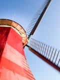 Greetsiel, traditionele Nederlandse Windmolen Stock Afbeelding