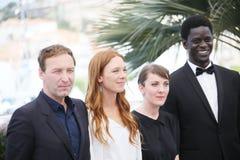 Gregoire Monsaingeon, Laetitia Dosch, Leonor Serraille, Souleyma Photographie stock