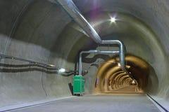 Greifen Sie auf Tunnel zurück Stockbild