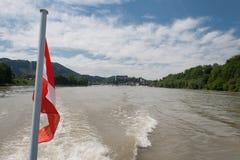 Grein, Donau, österreichische Markierungsfahne Stockbilder