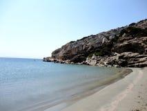 Grek deserterade stranden i den Despotiko ön, Grekland Arkivbilder