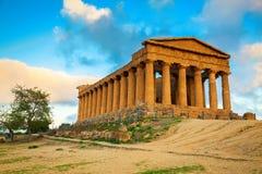 Grek fördärvar av den Concordia templet, Sicilien Arkivbilder