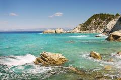 Grekisk ökust, blå lagun Arkivfoton