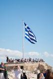 Grekisk flagga på akropolen Fotografering för Bildbyråer