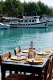 grekisk hamnterrass Royaltyfri Foto