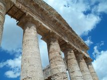 Grekisk historisk tempel av Sicilien royaltyfria bilder