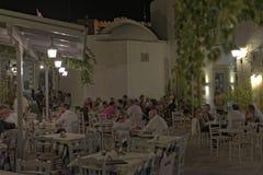 Grekisk krog i den Kastelli byn Arkivbilder