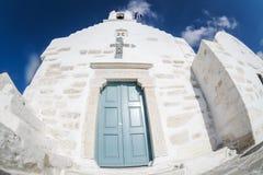 Grekisk kyrka i Parikia Arkivfoto