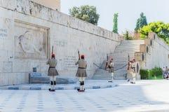 Grekisk parlament på syntagmafyrkant Arkivfoton