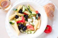 grekisk pastasallad Fotografering för Bildbyråer