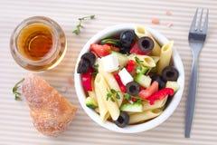 grekisk pastasallad Arkivfoton