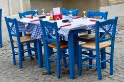 Grekisk restaurang royaltyfri fotografi