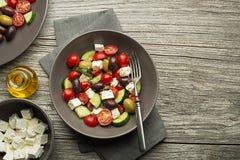 Grekisk sallad med tomat- och fetaost Arkivbild