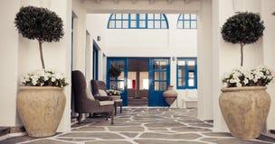Grekisk stilbyggnadsinre Arkivbild