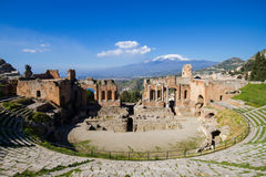 Grekisk teater av Taormina Royaltyfri Fotografi