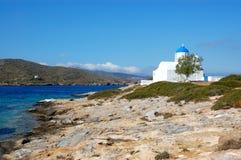 Grekiska öar, lilla kyrkliga amorgos Fotografering för Bildbyråer