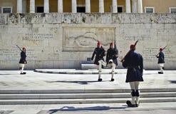 Grekiska evzones i Aten Fotografering för Bildbyråer
