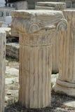 Grekiska kolonnfragment på akropolen Royaltyfri Foto