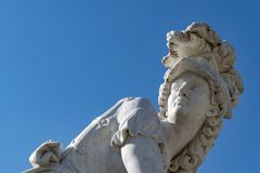Grekiska statyer av SansSouci royaltyfria foton