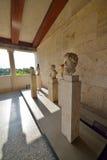 Grekiska statyer i museum av akropolen i Aten, Grekland Royaltyfria Bilder