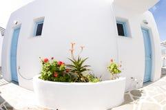 grekiska typiska öparos för arkitektur Royaltyfri Bild