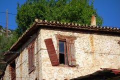 Grekiskt hus för gammal sten Arkivbilder