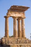 grekiskt tempel Fotografering för Bildbyråer