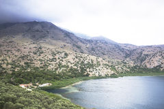 Grekland ö av Kreta, sjö Kurnas Royaltyfri Bild