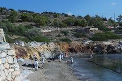 Grekland Ö av salamier November 5, 2017 Arbetare fortsätter till Royaltyfri Foto