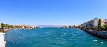 Grekland panoramautsikt av den Chalkida staden Royaltyfria Bilder