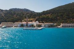 Grekland Panormitis Kloster och promenaden Royaltyfria Bilder