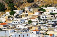 Grekland Rhodes - Juli 17 arkitekturen av staden Lindos på Juli 17, 2014 i Rhodes, Grekland Royaltyfri Fotografi