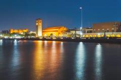 Grekland Rhodes - Juli 11 kaj på porten av Mandraki på Juli 11, 2014 i Rhodes, Grekland Royaltyfria Bilder