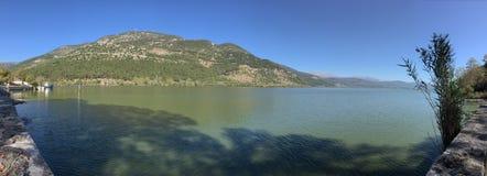 Grekland sjö Arkivbild