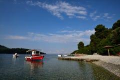 Grekland Skopelos ö, Panormos hamn Arkivfoto