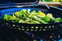 Grelhando vegetais verdes foto de stock