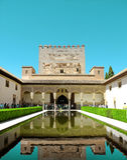GRENADE, ESPAGNE - 6 MAI 2017 : Alhambra, Grenade, Espagne Le 'Âes de Palacios Nazaraà de palais de Nasrid dans la forteresse d'A Photos libres de droits