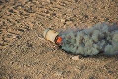 Grenade fumigène de M8 HC Photographie stock libre de droits