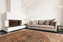 Grenier intérieur et confortable image stock