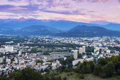 Grenoble arkitektur på solnedgången Royaltyfria Bilder