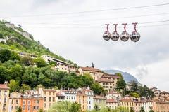Grenoble-Bastille kabelwagenaka 'Les bulles het Engels: de bellen stock afbeeldingen