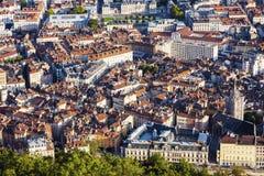 Grenoble - flyg- panorama av staden Arkivfoto